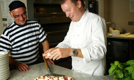 Pizza Express: Chefs at work