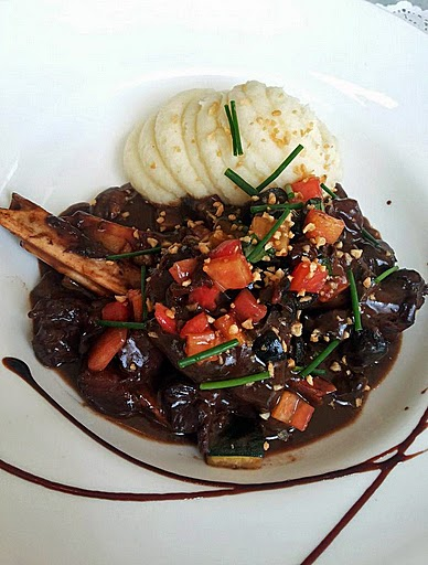 Smokehouse Deli: Lamb shanks