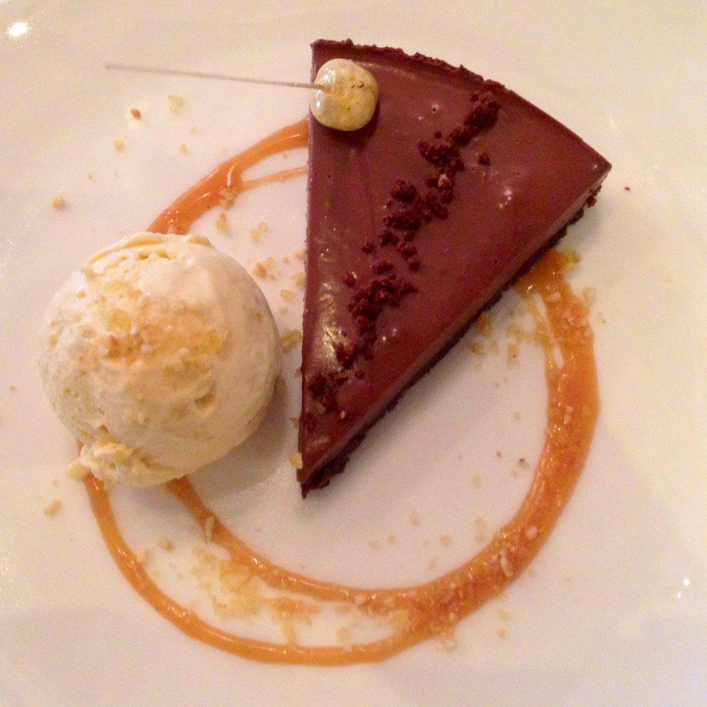 Cheval: Chocolate ganache