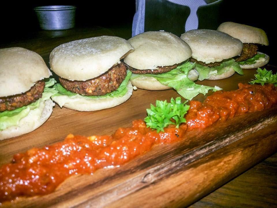 Please Don't Tell: Falafel mini burgerss