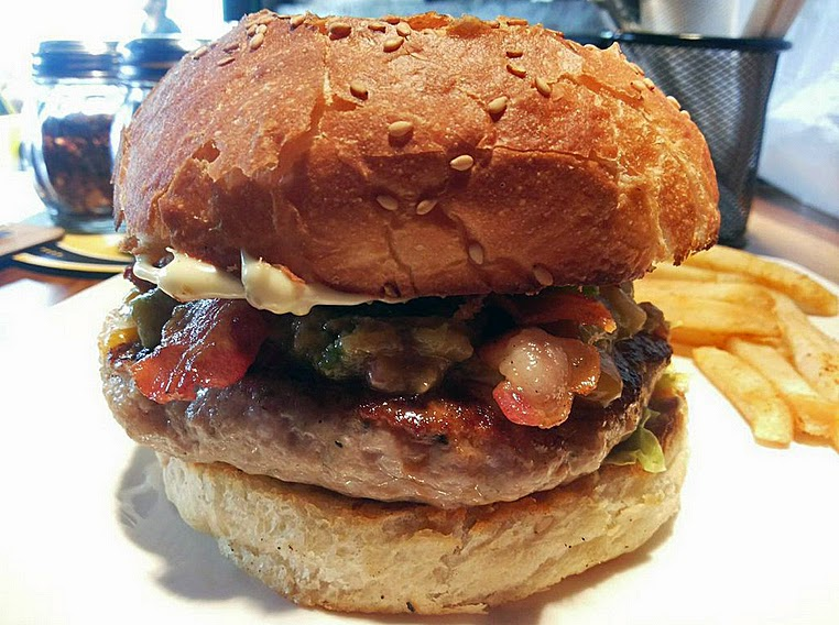 Brickhouse: Puled pork burger