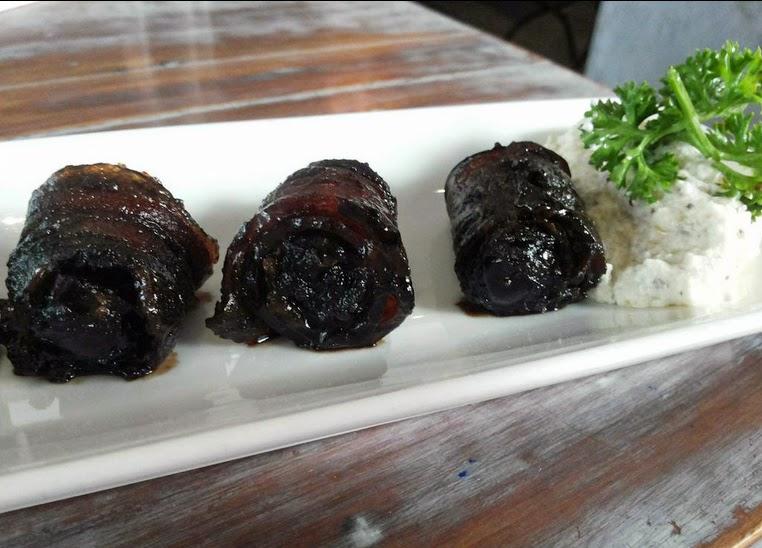 Terttulia: Appetiser - bacon wrapped dates