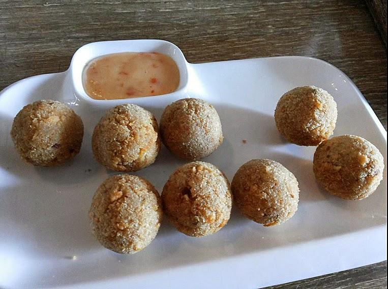 Jam Jar Diner: Chilli cheese bites