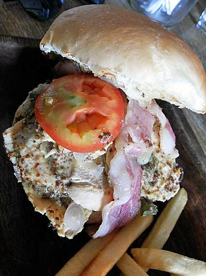 Jam Jar Diner: Chicken burger
