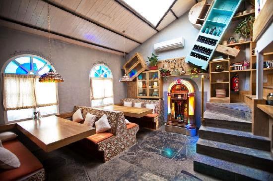 Jam Jar Diner: Inside