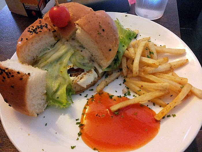Imbiss the Meating Joint: Chicken burger