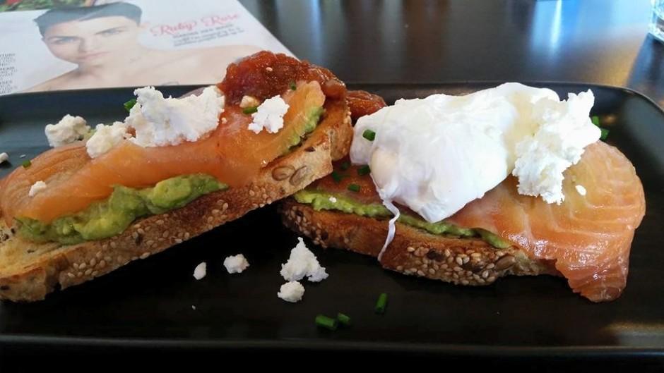 Vyve: Salmon & avocado toast