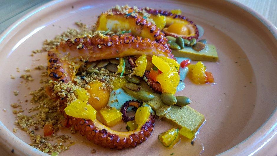 atlas dining octopus